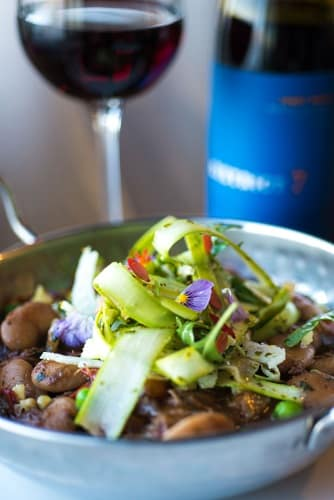 Rott vin och matig sallad