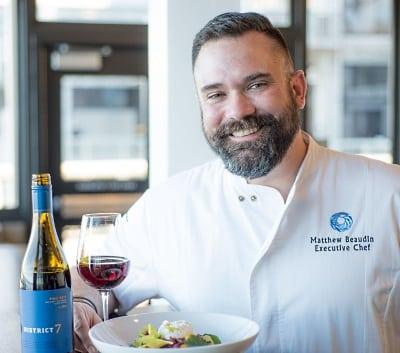 Kocken Matthew Beaudin med mat och vin