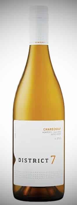 en flaska vitt vin District 7 Chardonnay