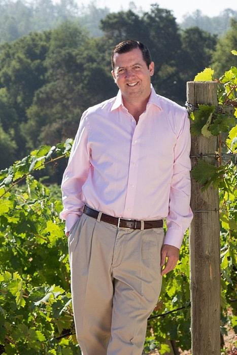 bild på Clayton Fritz i hans vingård
