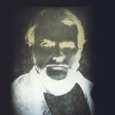 en bild på spöket J Stokes