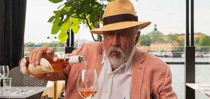 GW:S ROSA Leif GW häller upp rosévin