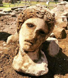 romersk staty huvud av Dionysos
