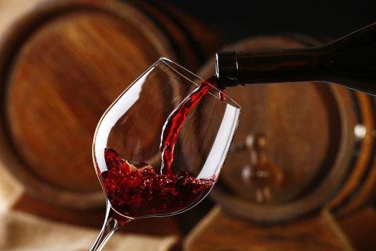 Médoc: vintunnor och ett glas rödvin
