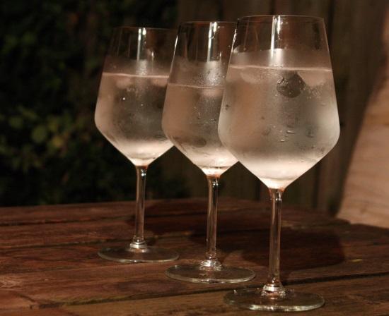 Vinho Verde: tre iskalla glas med vitt vin