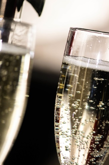 mousserande: 2 glas med bubbel