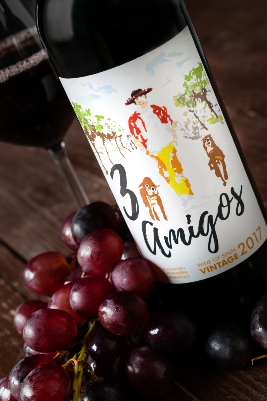 Medelhavet: vinet 3 Amigos och några blå druvor