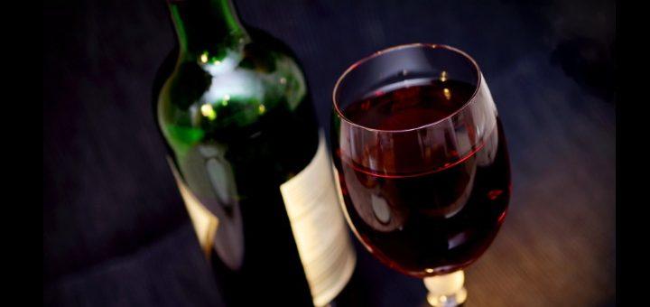 ekologiska - falska n och ett glas rött
