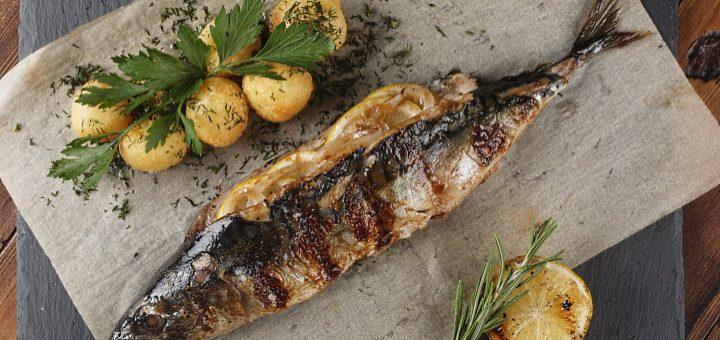 fiskrätter - grillad makrill med färsk potatis