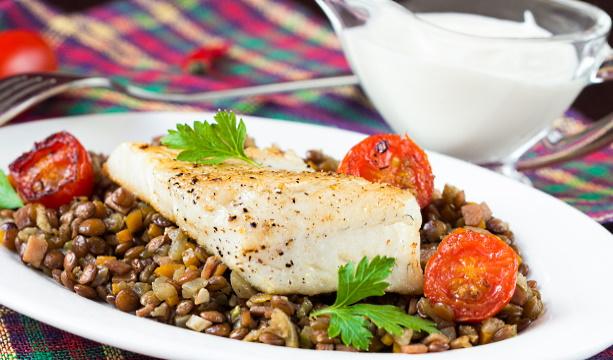 fiskrätter - stekt torskfilé på linsratatouille