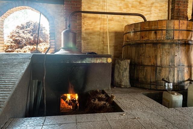 Mezcal-destilleri-i-Oaxaca-region