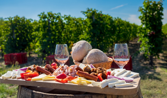 Rumänien - traditionell mat och vin