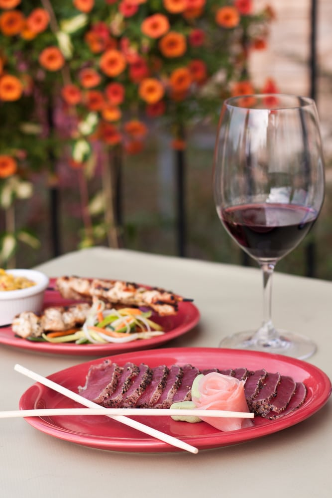 Rött vin med tonfisk