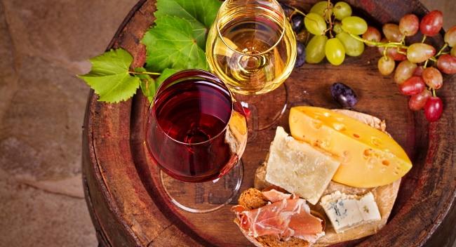 söta viner och ostbord