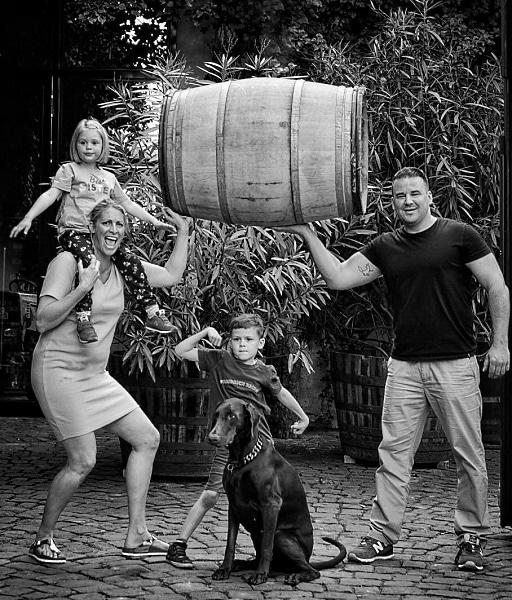 leganta-viner-Fritz-Becker-med-familj-Weingut-Friedrich-Becker