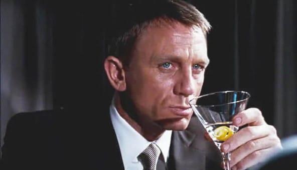James Bond dricker vodka martini